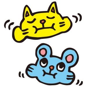 うがいをしてるネコとネズミのイラスト
